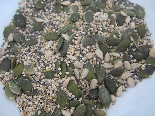 Mix of seeds