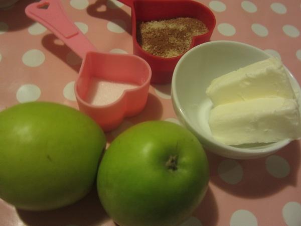 Apple Cinnabuns
