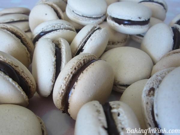 coffee&darkchocolatemacarons1