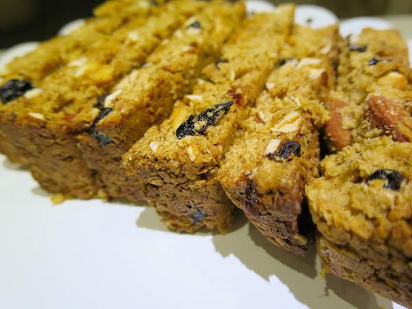 Oat, Almond, Cashew & Blueberry Bars
