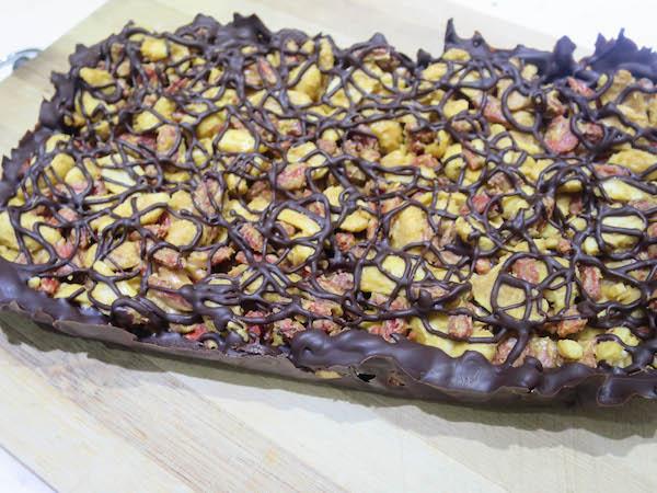 peanut, goji berry and dark chocolate bars